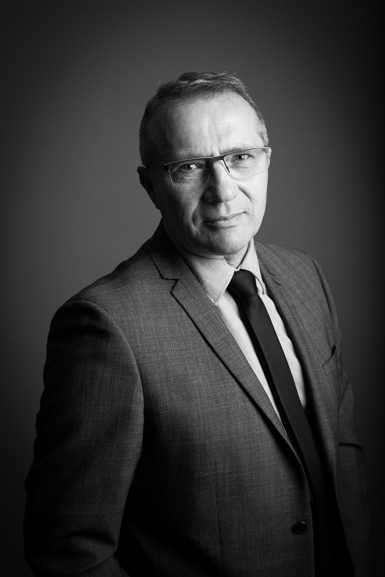 Portrait professionnel noir et blanc